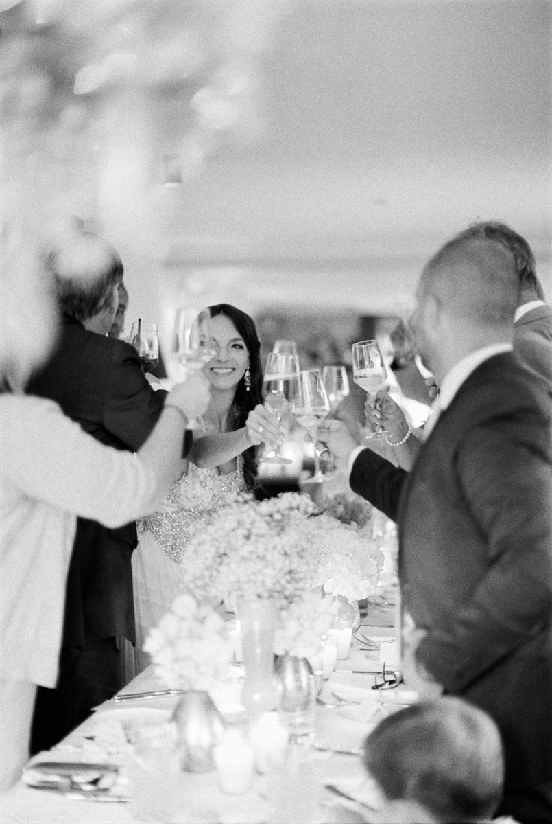 Braut Hochzeit Anstoßen bride and groom toast wedding